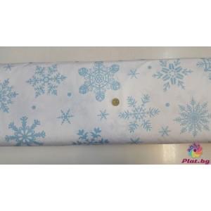 Ранфорс бяла основа на сини малки и големи снежинки произведено в Турция