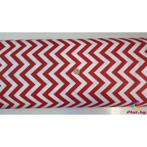 Ранфорс бяла основа на червен голям зиг заг произведено в Турция