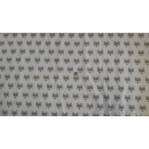 Ранфорс бяла основа с глава на лисица произведено в Турция