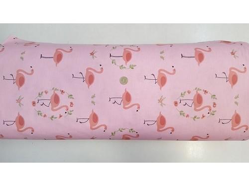 Ранфорс на розово основа и розово фламинго произведено в Турция