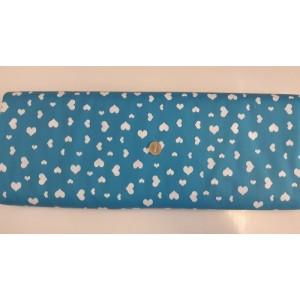 Ранфорс синя основа с бели малки и големи сърца произведено в Турция