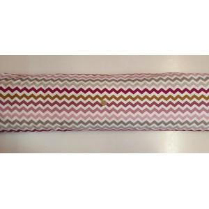 Хидрофобиран плат на бяла основа с шарен зиг заг от Турция