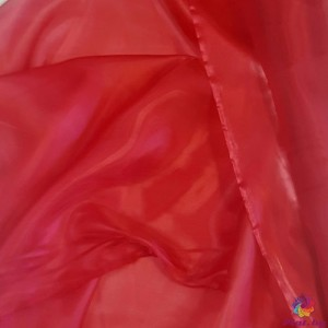 Органза преливаща цвят червена произведено в Южна Корея